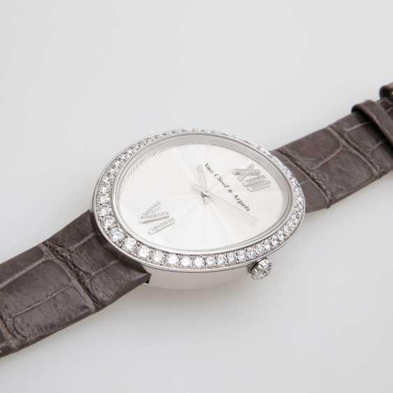 VAN CLEEF & ARPELS ladies watch in 18K white gold, occupied m. diamond. - photo 3