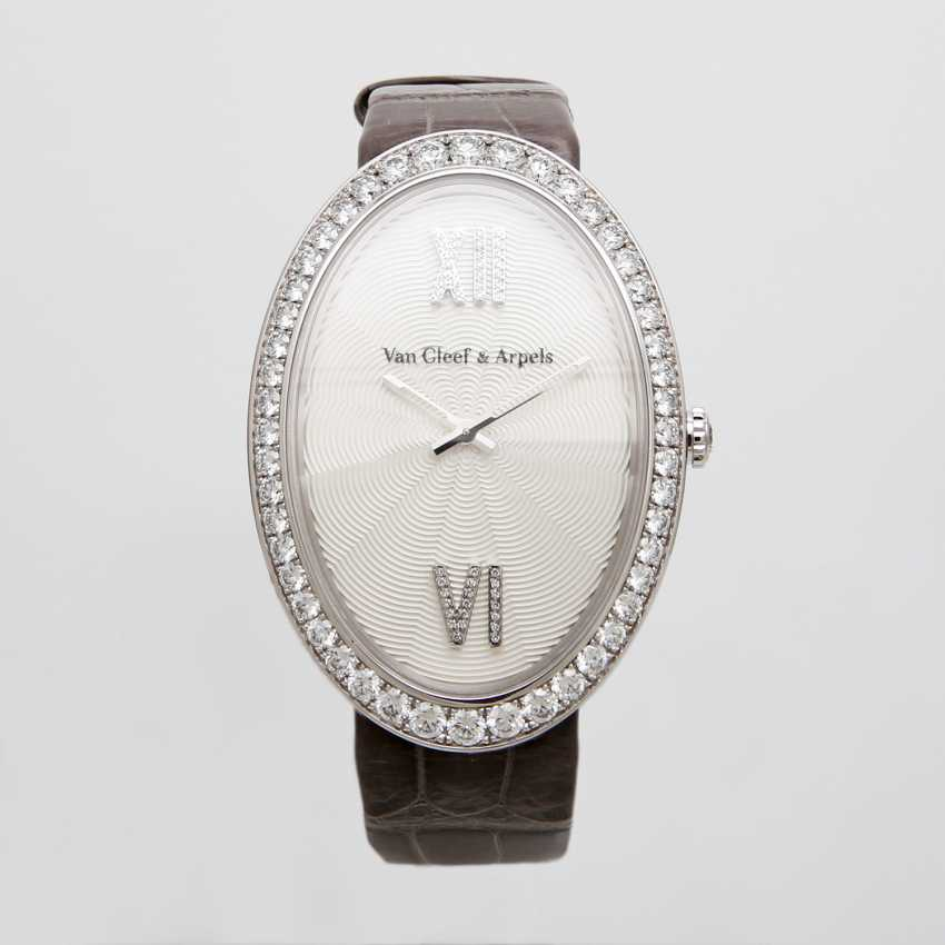 VAN CLEEF & ARPELS ladies watch in 18K white gold, occupied m. diamond. - photo 2