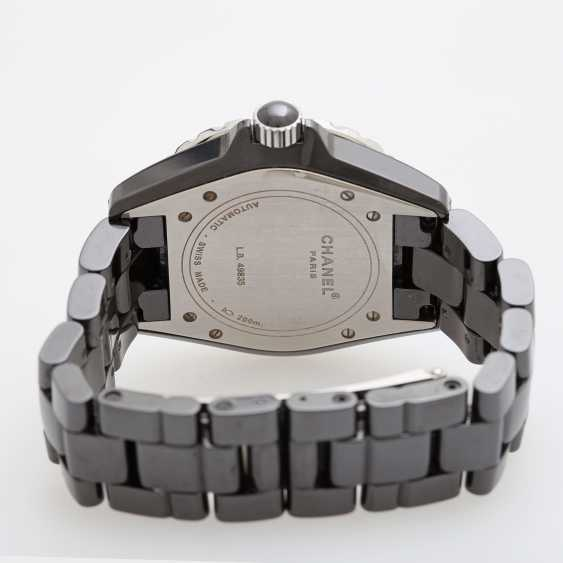 """CHANEL ladies watch """"J12"""" in black ceramic with stainless steel. - photo 4"""