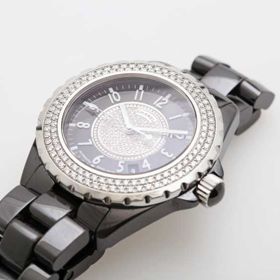 """CHANEL ladies watch """"J12"""" in black ceramic with stainless steel. - photo 2"""