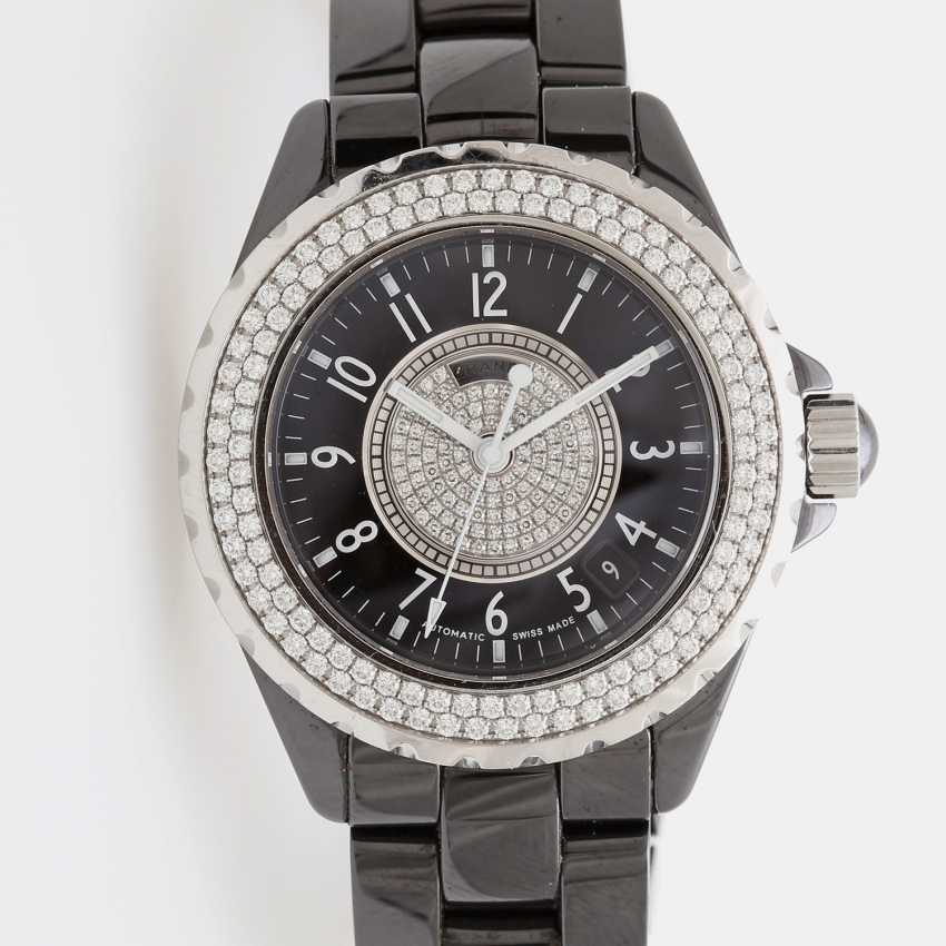 """CHANEL ladies watch """"J12"""" in black ceramic with stainless steel. - photo 3"""