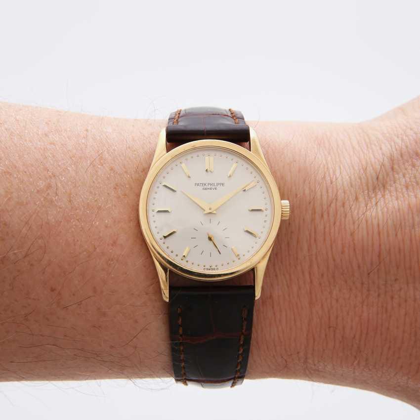 "PATEK PHILIPPE wristwatch ""Calatrava"" in yellow gold 18K. Ref. 3796. - photo 5"