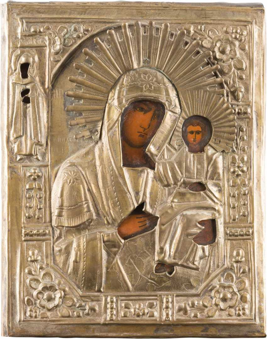 THREE ICONS: TWO OF THE MOTHER OF GOD-REPRESENTATIONS, AND CHRIST PANTOCRATOR IN THE ICON CASE - photo 2