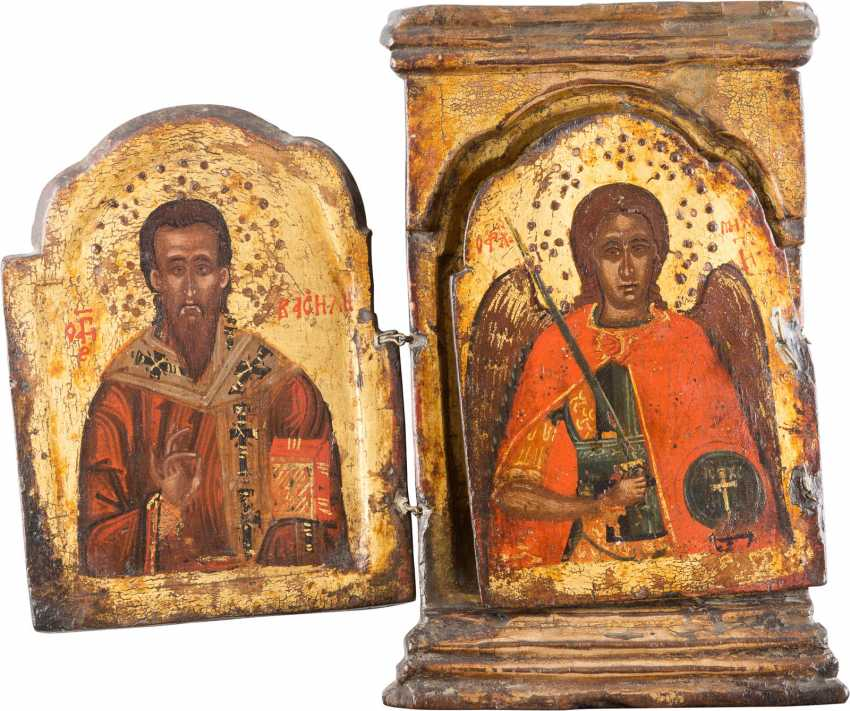 SMALL TRIPTYCH WITH THREE EPISCOPAL SAINTS AND THE ARCHANGEL MICHAEL - photo 2