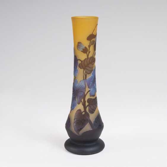 Art nouveau-Vase mit Klematis. Emile Gallé - photo 1