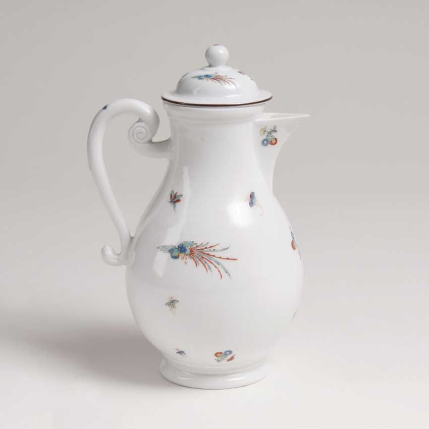 Coffee pot with chrysanthemums branch and the Phoenix in the Kakiemon style - photo 2