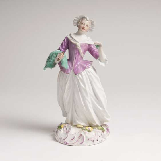 Rare Porcelain Figurine 'The Seamstress'. Johann Joachim Kaendler - photo 1