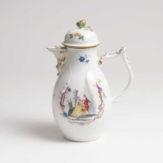 Pot with Watteau-scenes - photo 1