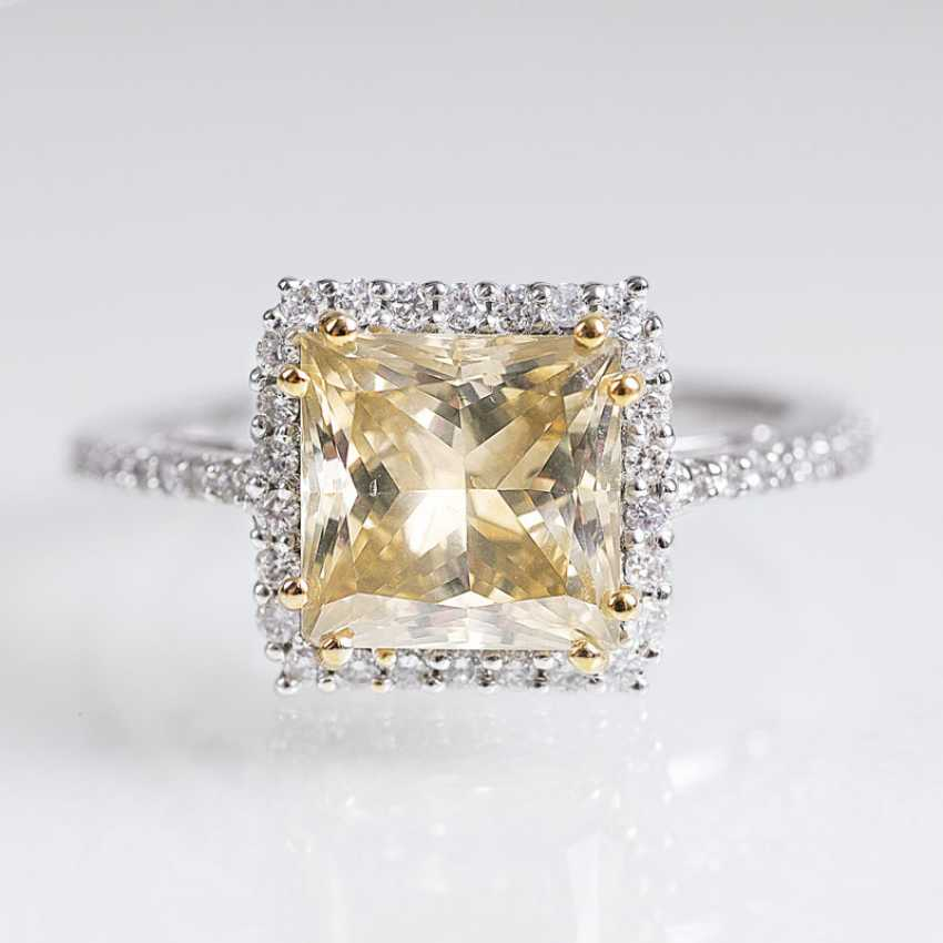 Klassischer Fancy-Diamant-Ring - photo 1