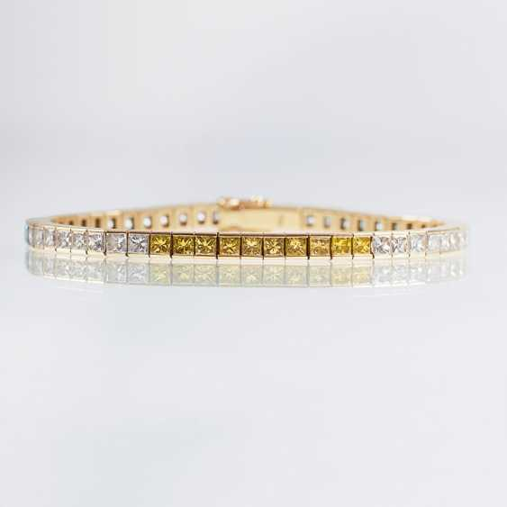 High-class bracelet with colored diamonds - photo 1