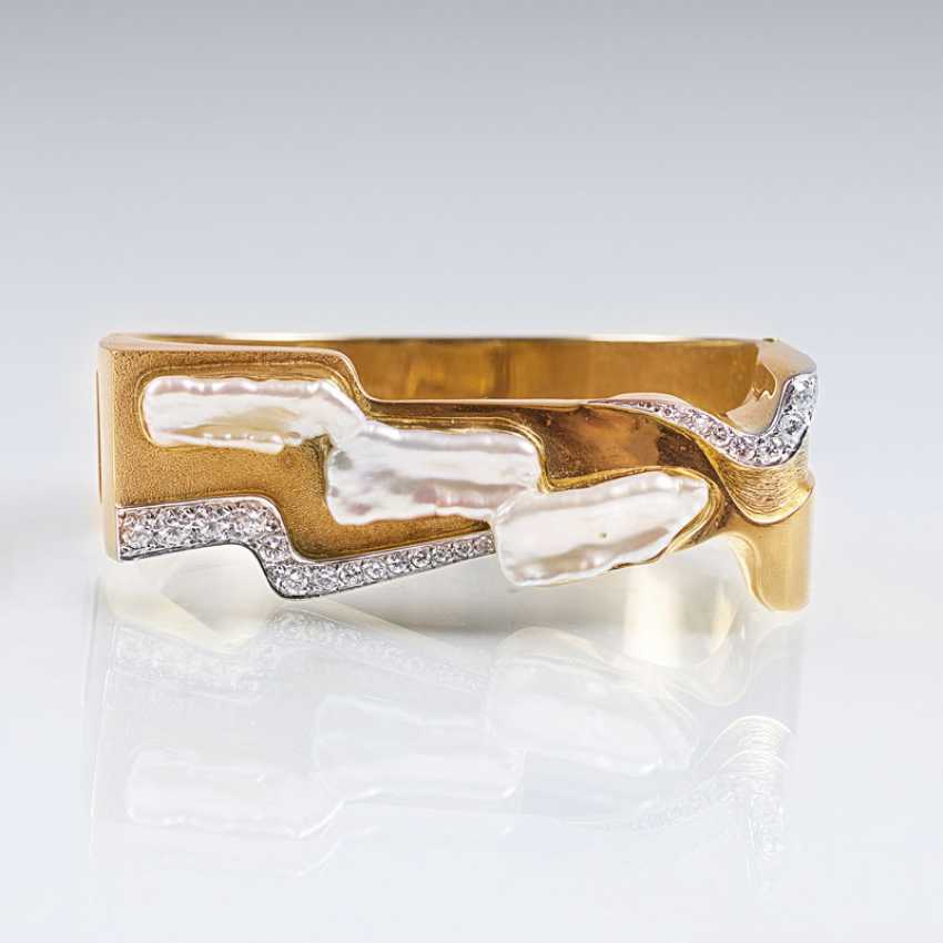 Vintage Gold bangle with diamonds and mother-of-pearl trim - photo 1
