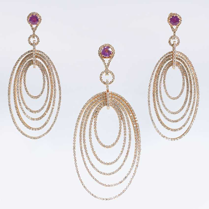 Very fine brilliant Pink sapphire Demi-Parure with pendant and Pair of earrings - photo 1