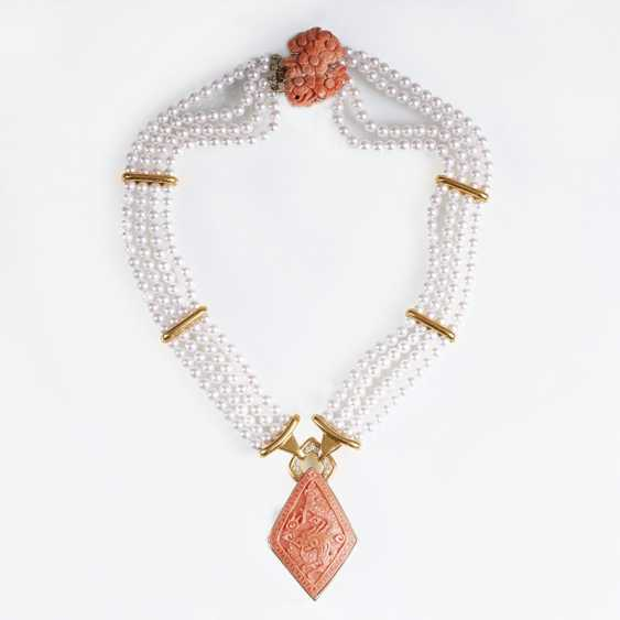 Outstanding beads coral necklace with diamond trim - photo 1
