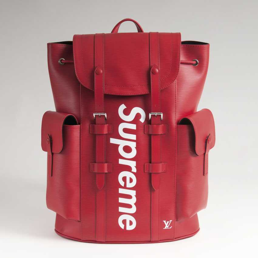 Ikonischer LV x Supreme Christopher PM Backpack. Louis , in Kooperation mit Supreme - photo 1