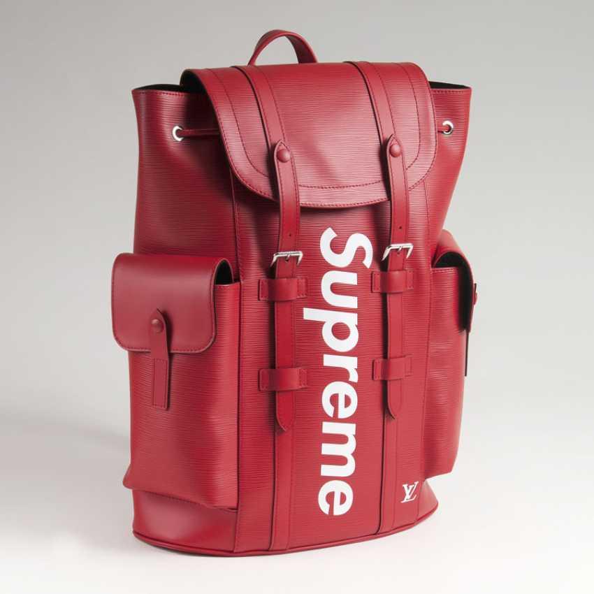 Ikonischer LV x Supreme Christopher PM Backpack. Louis , in Kooperation mit Supreme - photo 2