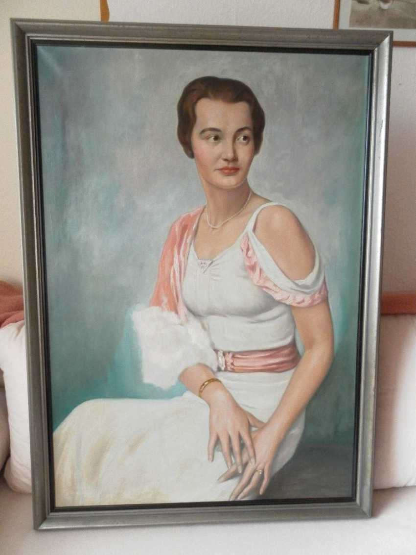 """FRANZ KIENMAYER, """"Young woman"""", Oil on canvas, framed and signed - photo 1"""