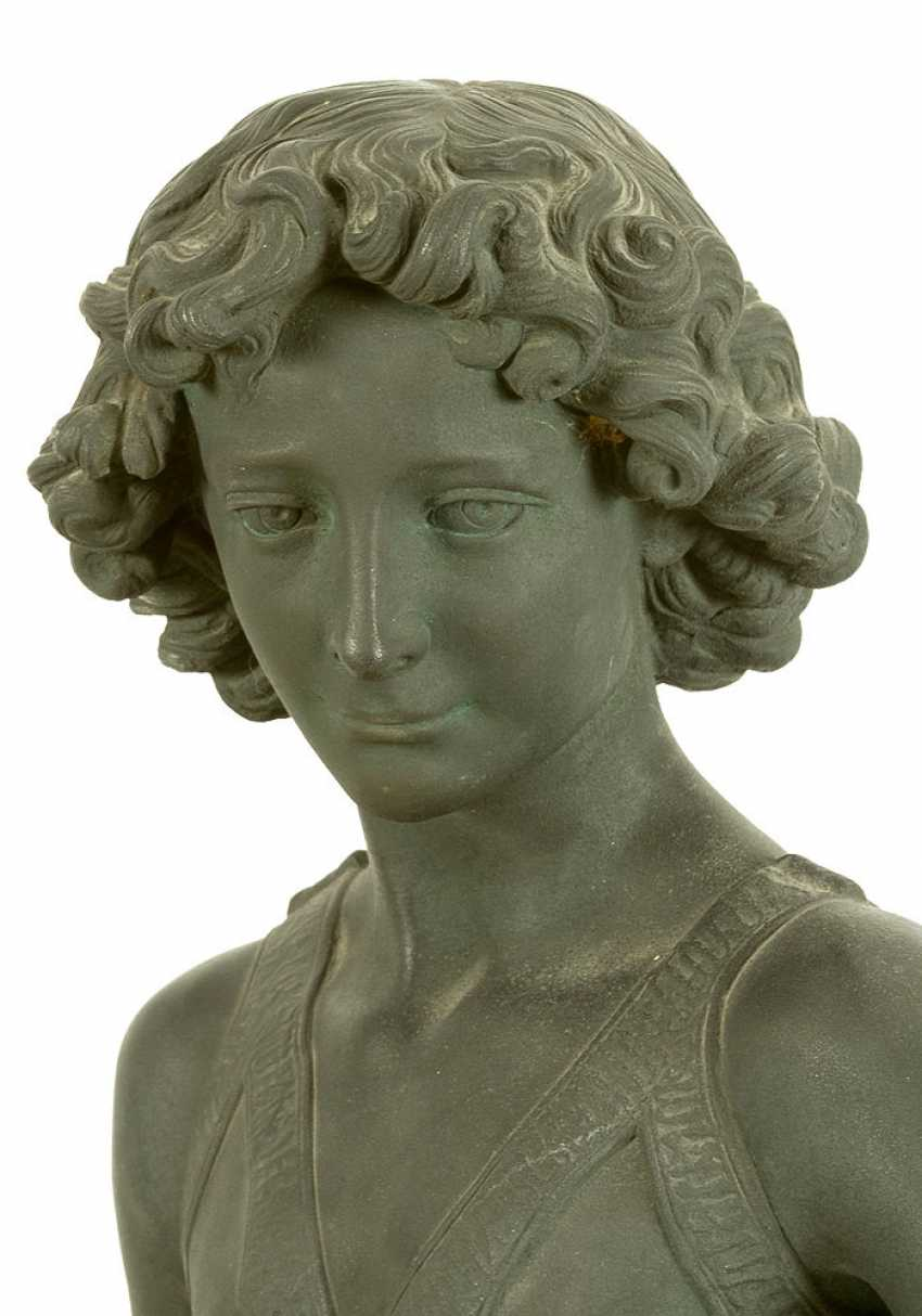 Large bronze sculpture of David with the head of Goliath - photo 3