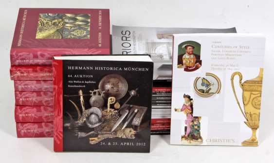Post Auction Catalogs - photo 1