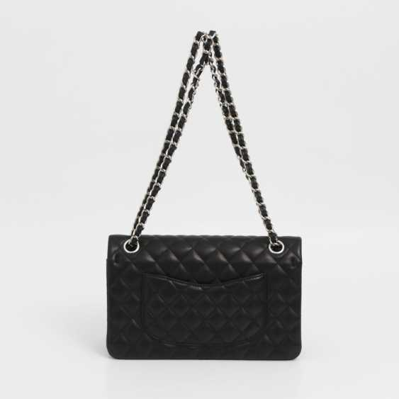 "CHANEL's coveted shoulder bag ""CLASSIC DOUBLE FLAB MEDIUM BAG"" - photo 5"