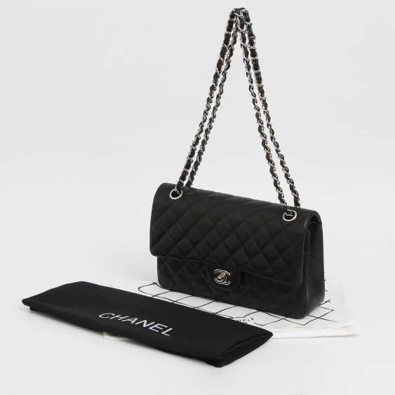 "CHANEL's coveted shoulder bag ""CLASSIC DOUBLE FLAB MEDIUM BAG"" - photo 3"