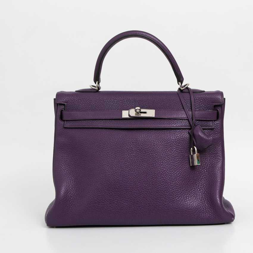 "HERMÈS sought-after style icons handbag ""RETOURNE KELLY BAG 35"", collection 2014. - photo 1"