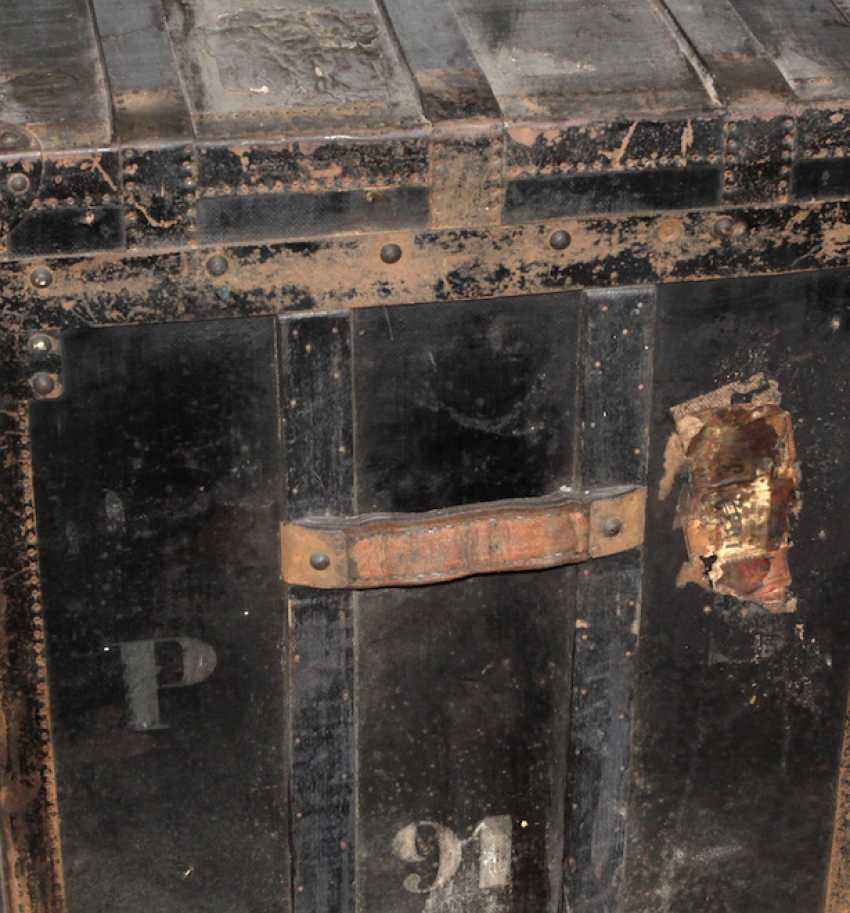 large suitcase around 1890 - photo 2