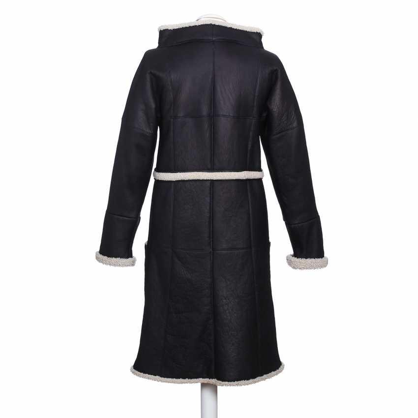 CHANEL exclusive lamb fur coat, size 36. - photo 3
