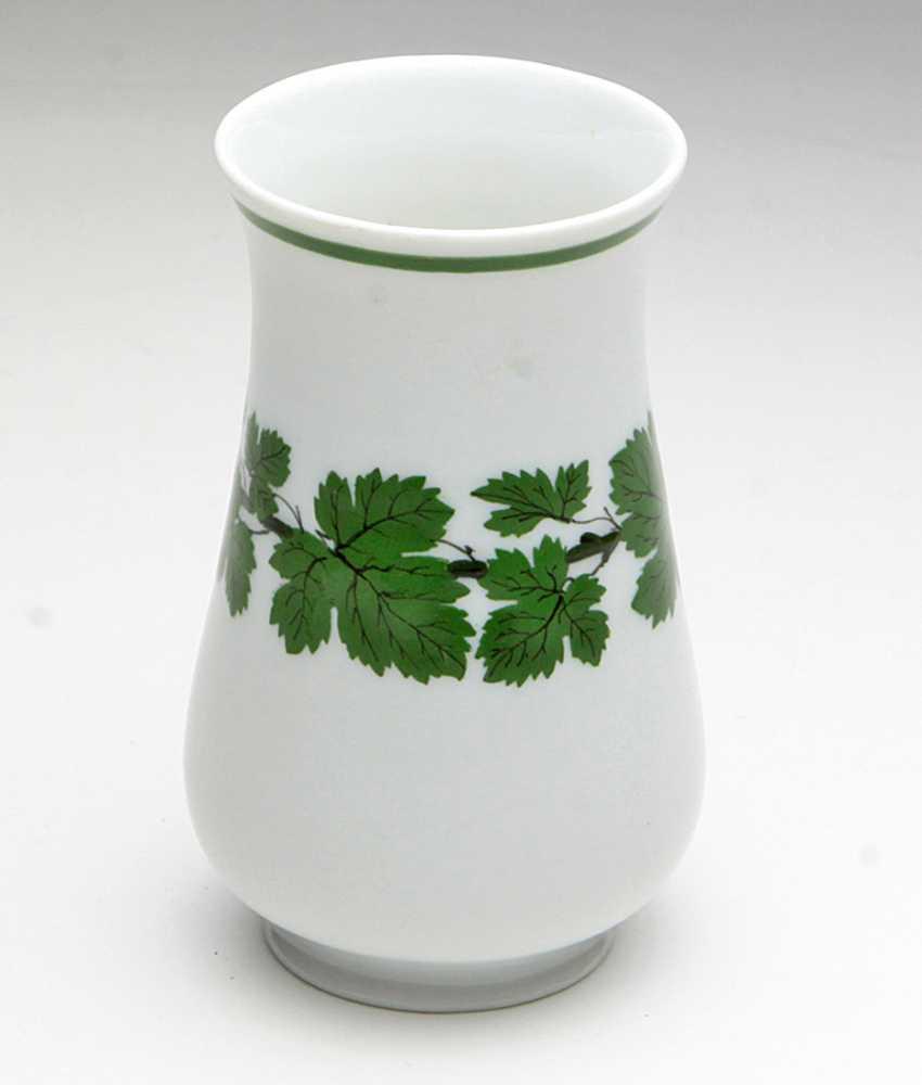 Meissen Vase *Vine Leaves* - photo 1