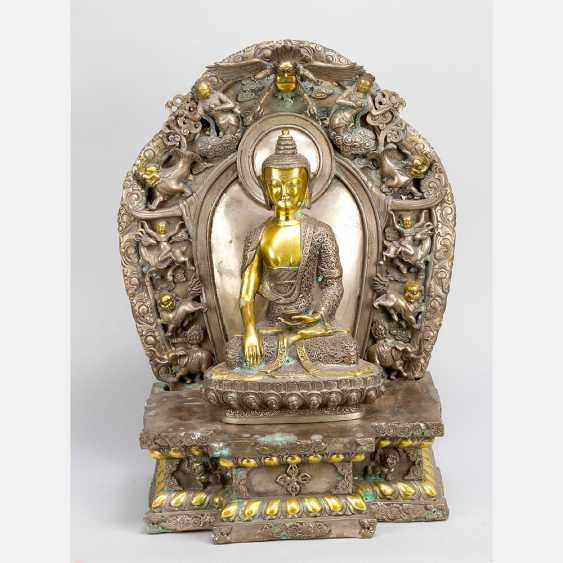 Shakyamuni with altar shrine - photo 1