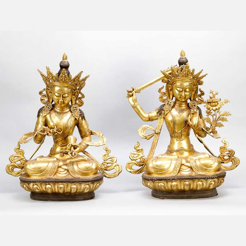 Pair of Asian Gods in sitting positions - photo 1