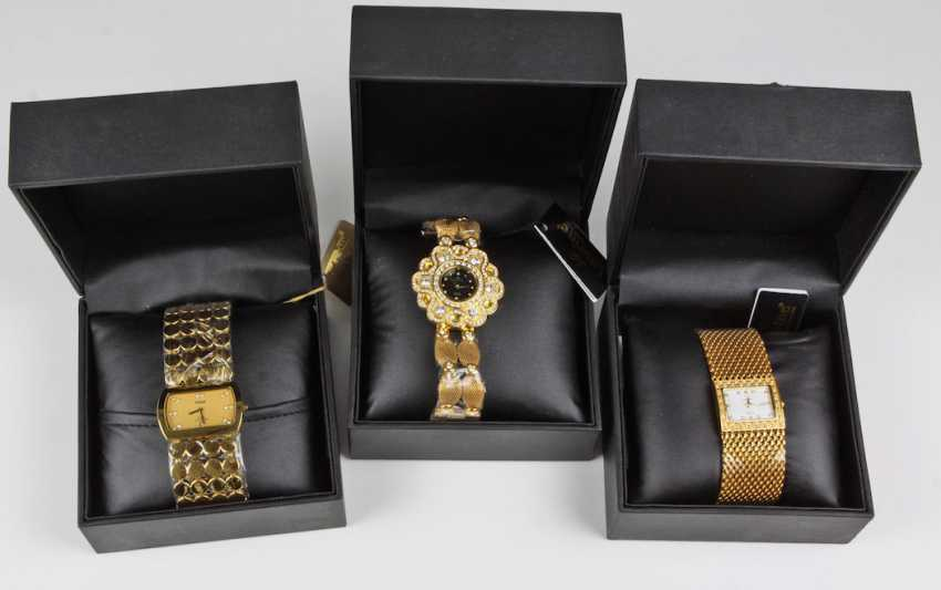 3 ladies ' jewelry watches in the case - photo 1