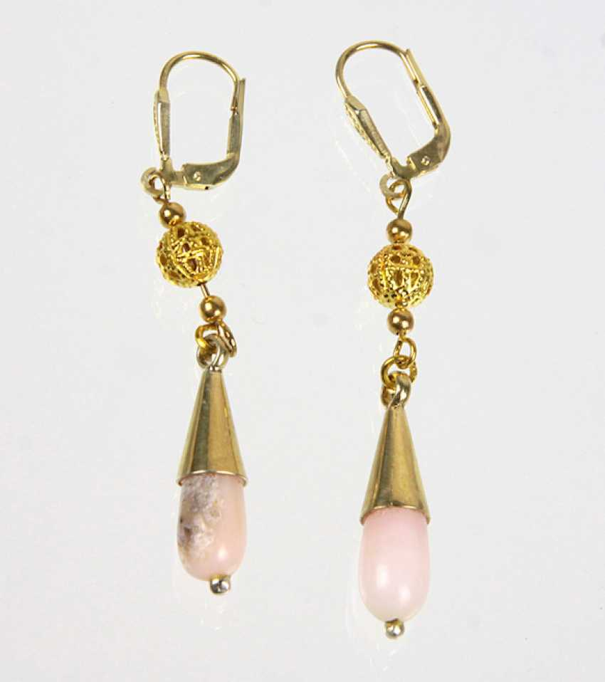 Earrings with pink opals - photo 1