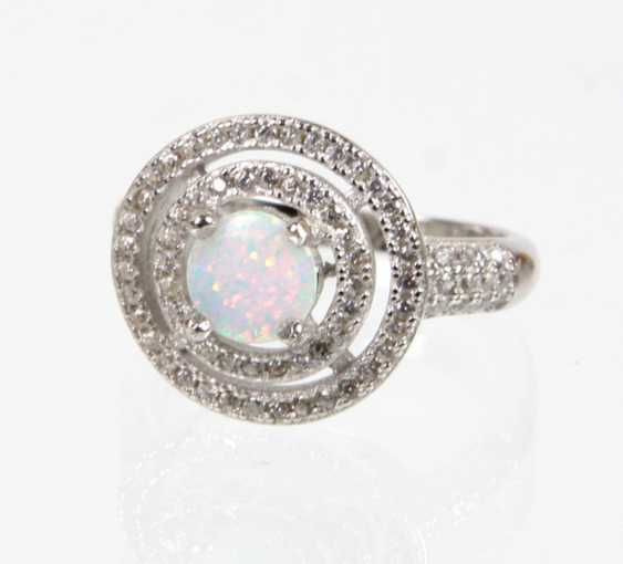 Opal Ring with cubic Zirconia - photo 1