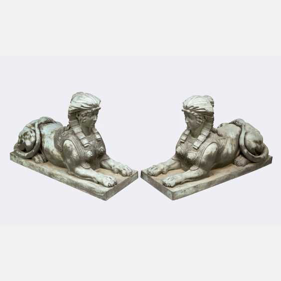 A pair of large bronze sphinxes in Egyptomanian style - photo 1