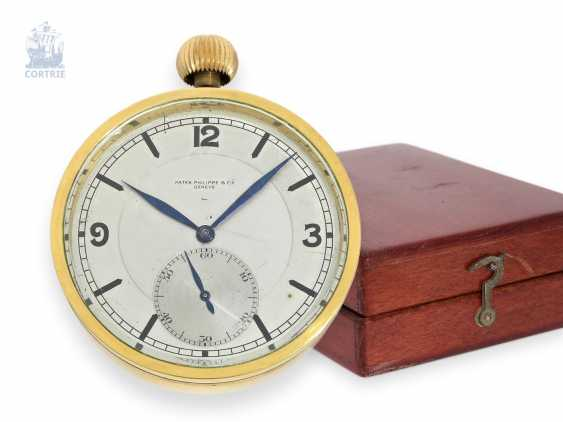 Pocket watch/Watch: ultra rare Patek Philippe Observation chronometer movement with transport case and wooden box, Patek Philippe 181967, CA. 1915 - photo 1