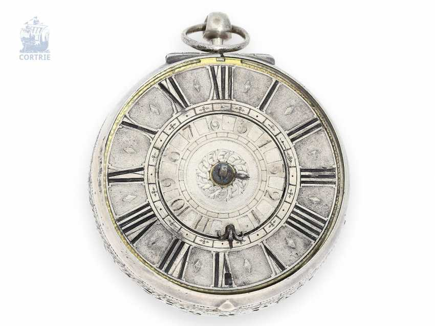Pocket watch: very early pocket watch with Alarm, signed Borderius Genevensis, probably Geneva, circa 1680 - photo 1