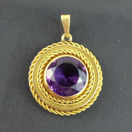 Lot 5278  Pendant with a large Amethyst: yellow gold 585