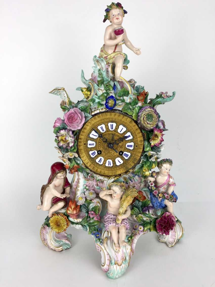 Beautiful pendulum clock / mantel clock / Portaluhr / Aufsatzuhr: Meissen porcelain 'Four seasons', around 1860, 1. Choice - photo 1