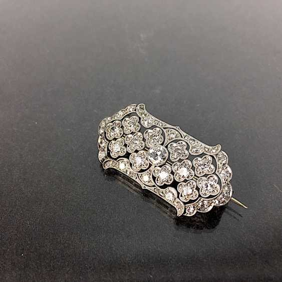 Unprecedented brilliant-solitaire-brooch: a 2.5-carat, white gold, rhodium-plated, Art Deco circa 1920, excellent! - photo 4