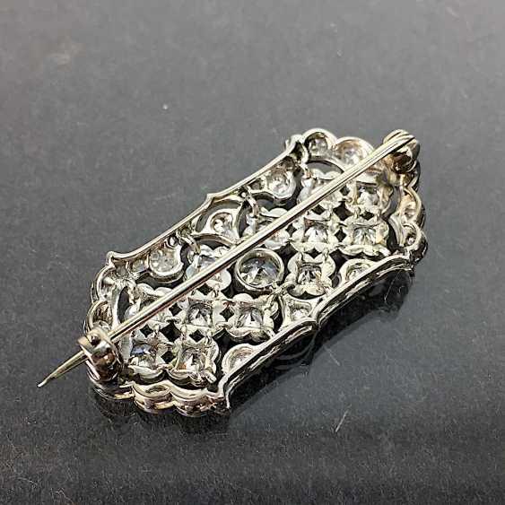 Unprecedented brilliant-solitaire-brooch: a 2.5-carat, white gold, rhodium-plated, Art Deco circa 1920, excellent! - photo 5