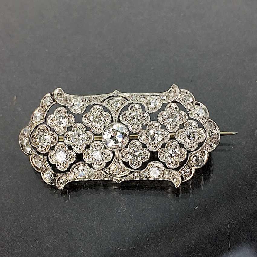 Unprecedented brilliant-solitaire-brooch: a 2.5-carat, white gold, rhodium-plated, Art Deco circa 1920, excellent! - photo 1