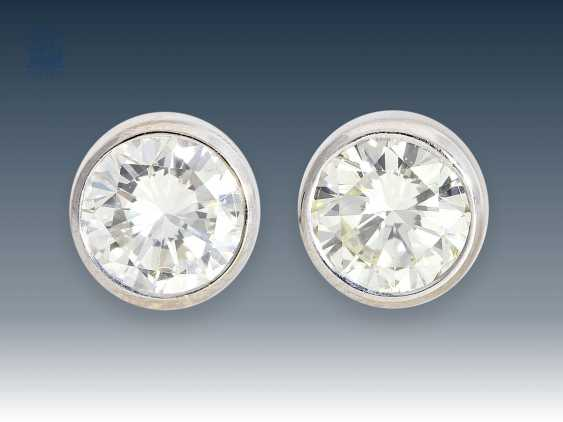 Stud earrings: classic diamond/solitaire plug, approximately 0.9 ct - photo 1