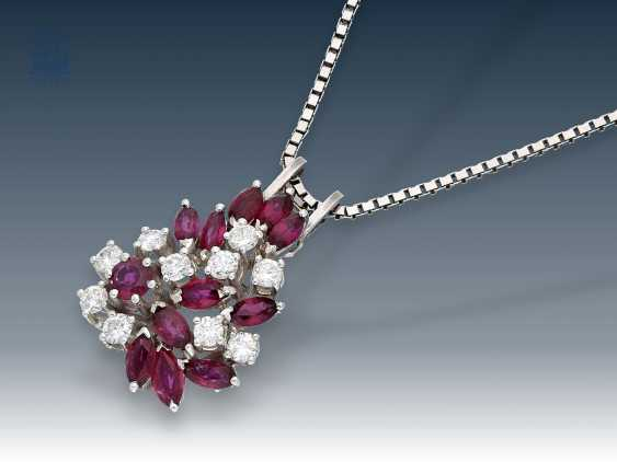 Chain/necklace/pendant: extremely decorative vintage, ruby/brilliant pendant with matching white gold chain - photo 1