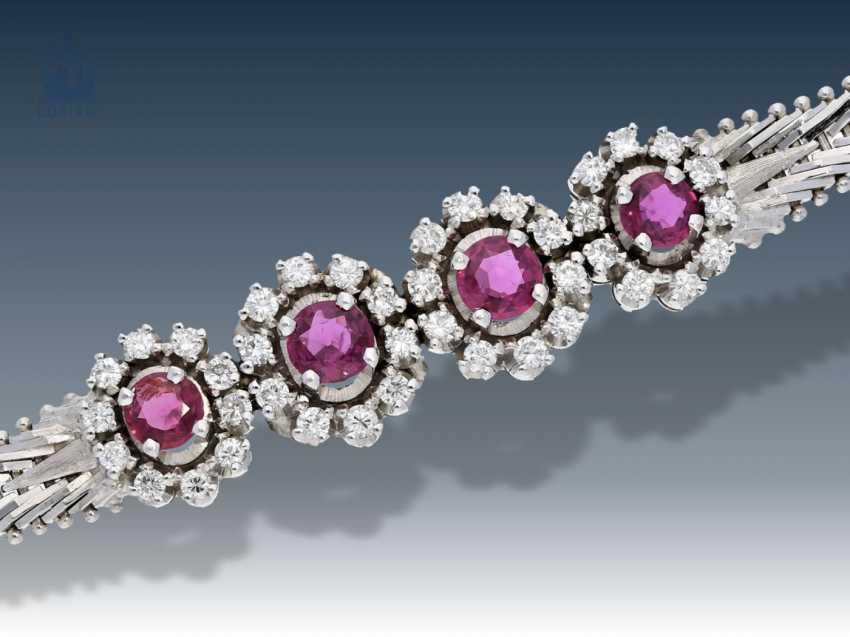 Armband: weißgoldenes, dekoratives vintage Rubin/Brillant-Armband - photo 1