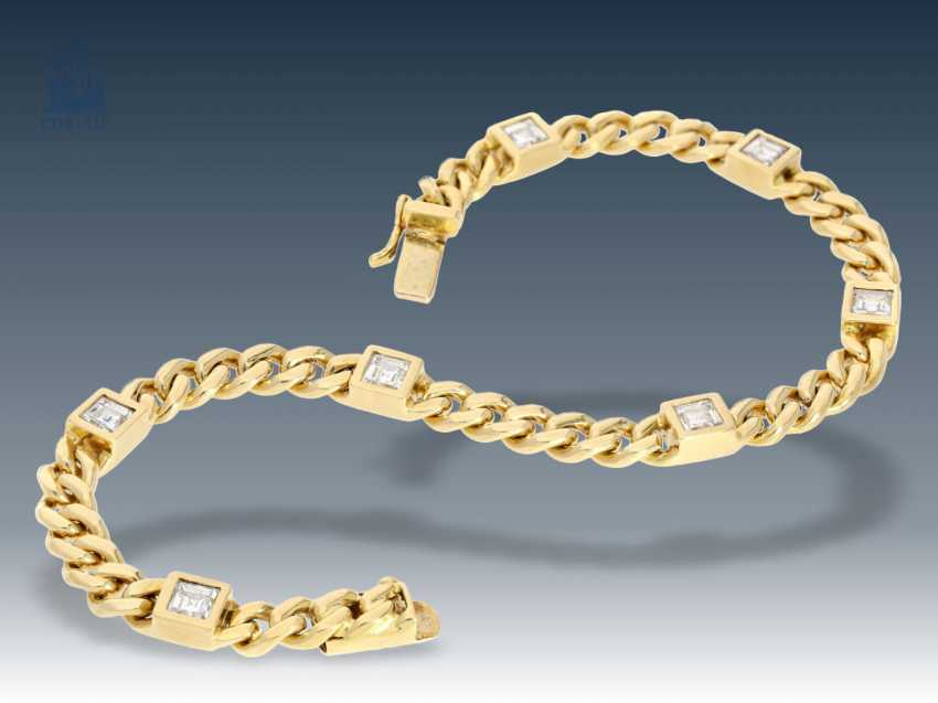 Bracelet: decorative and solid gold forged bracelet with fine diamonds, approx 1.05 ct - photo 1