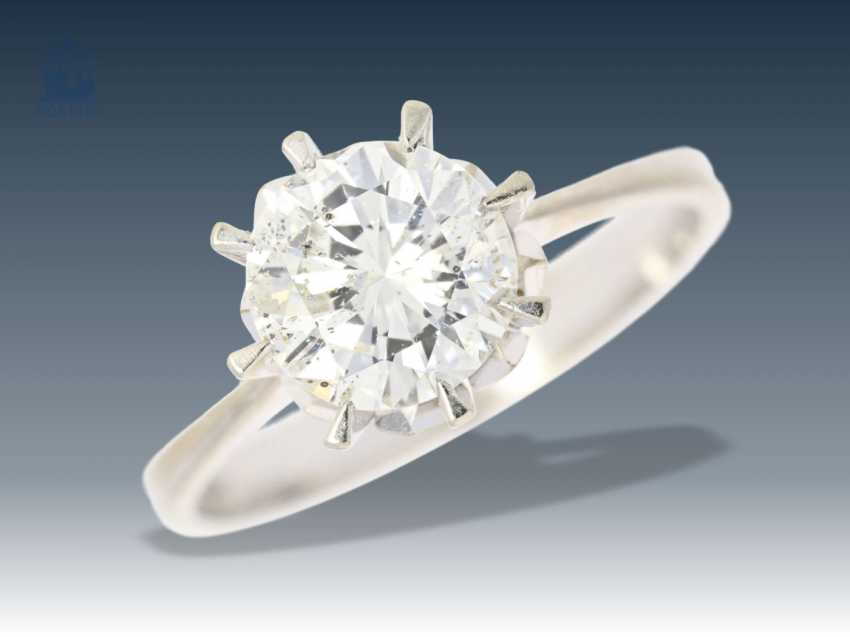Ring: fine brilliant-solitaire ring with a large brilliant of approx 1.8 ct - photo 1