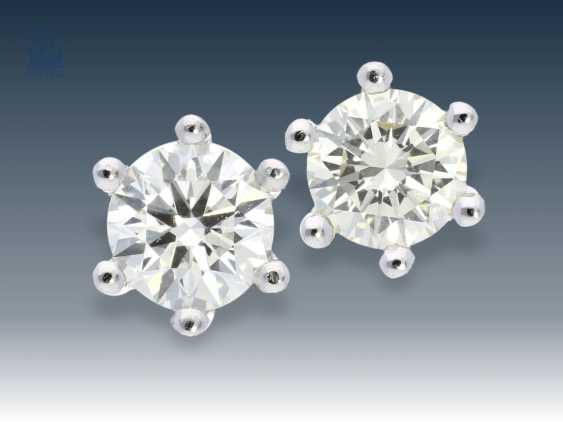 Stud earrings: classic, high-quality diamond/solitaire stud earrings, .0,9 ct - photo 1