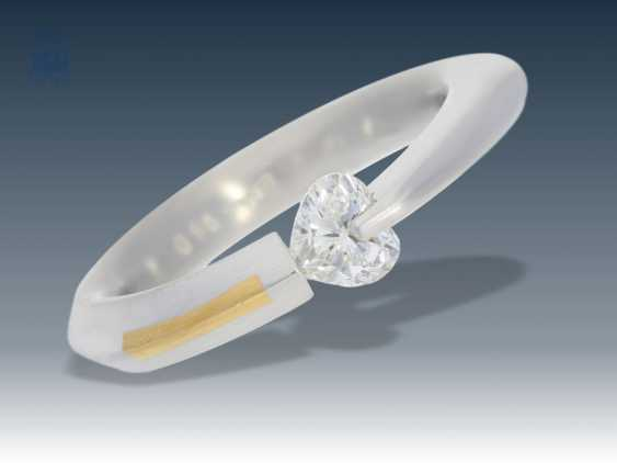Ring: designer ring Bunz, solid tension ring with a large diamond in heart shape, high quality and exceptional gold rail is forged in top quality - photo 1