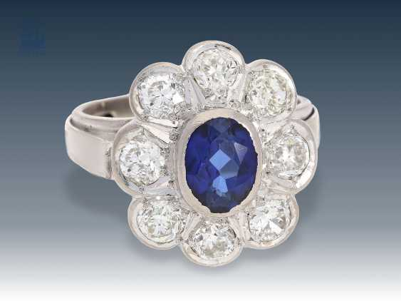 Ring: antique, high-quality sapphire crystal/flower ring, large old European cut diamonds - photo 1