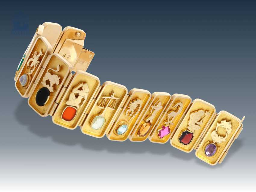 Bracelet: unusual vintage gold Smiths bracelet with representation of the 12 signs of the zodiac and the associated color stones - photo 1